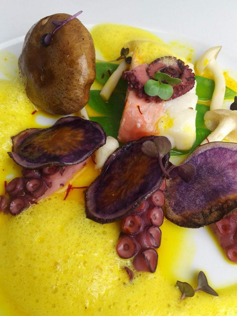 Shiitake, Octopus und lila Kartoffelchips